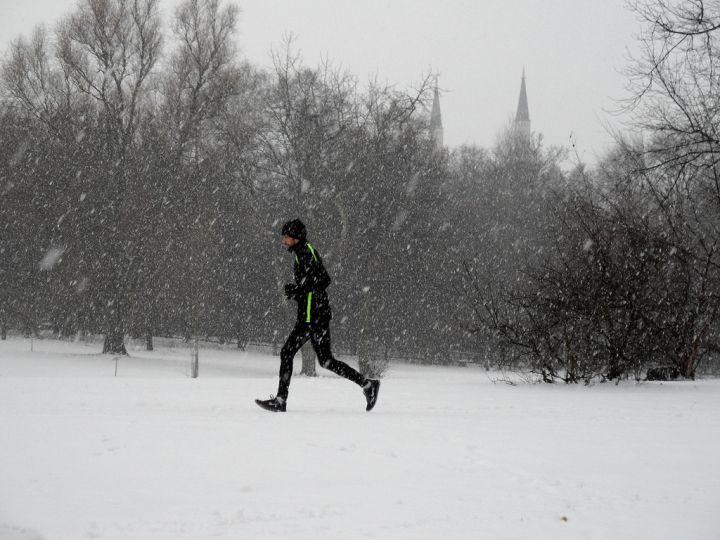 Wytrwali.pl - Bieganie zimą. Jak się ubrać?